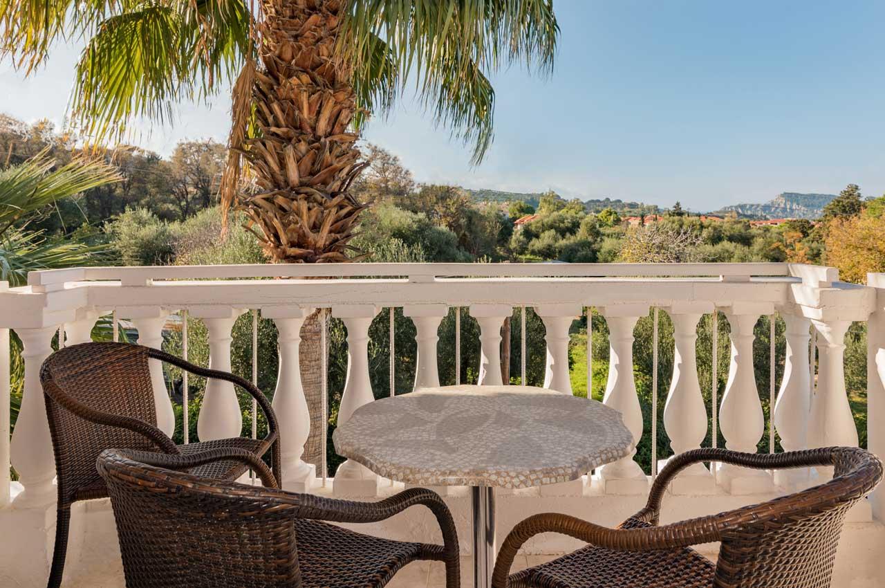 Studio triple garden view